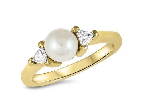Pearl ring with side trillions