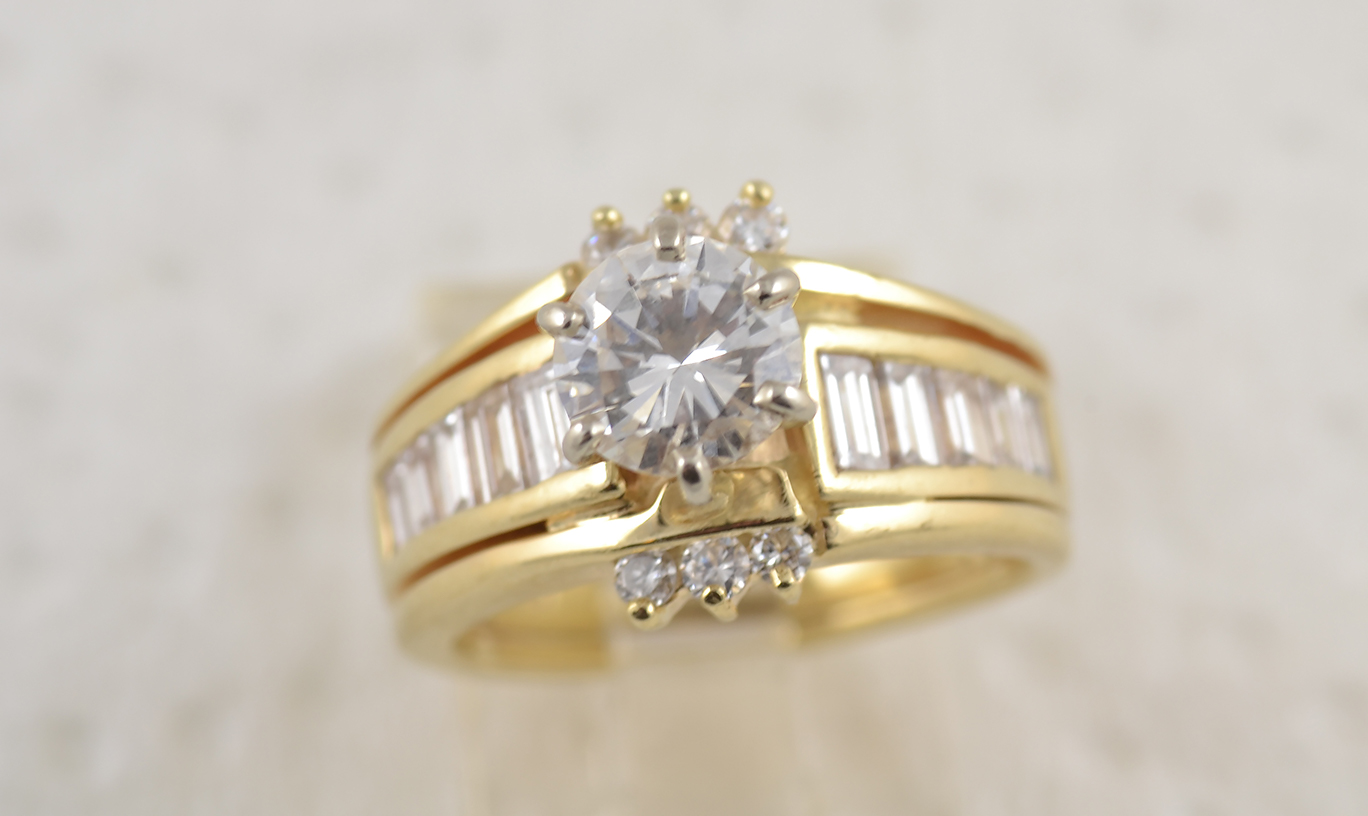 ring-2.0-tcw-round-brilliant-baguettes-moissanite-diamond-old2-denis-fairhead-custom-jewelry-ottawa